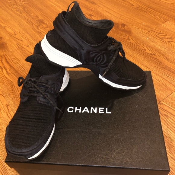 Chanel Black Stretch Fabric And Satin